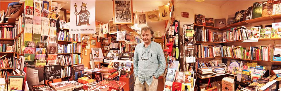 La librairie Amiens et le le libraire photographiés par Patrick Poulain
